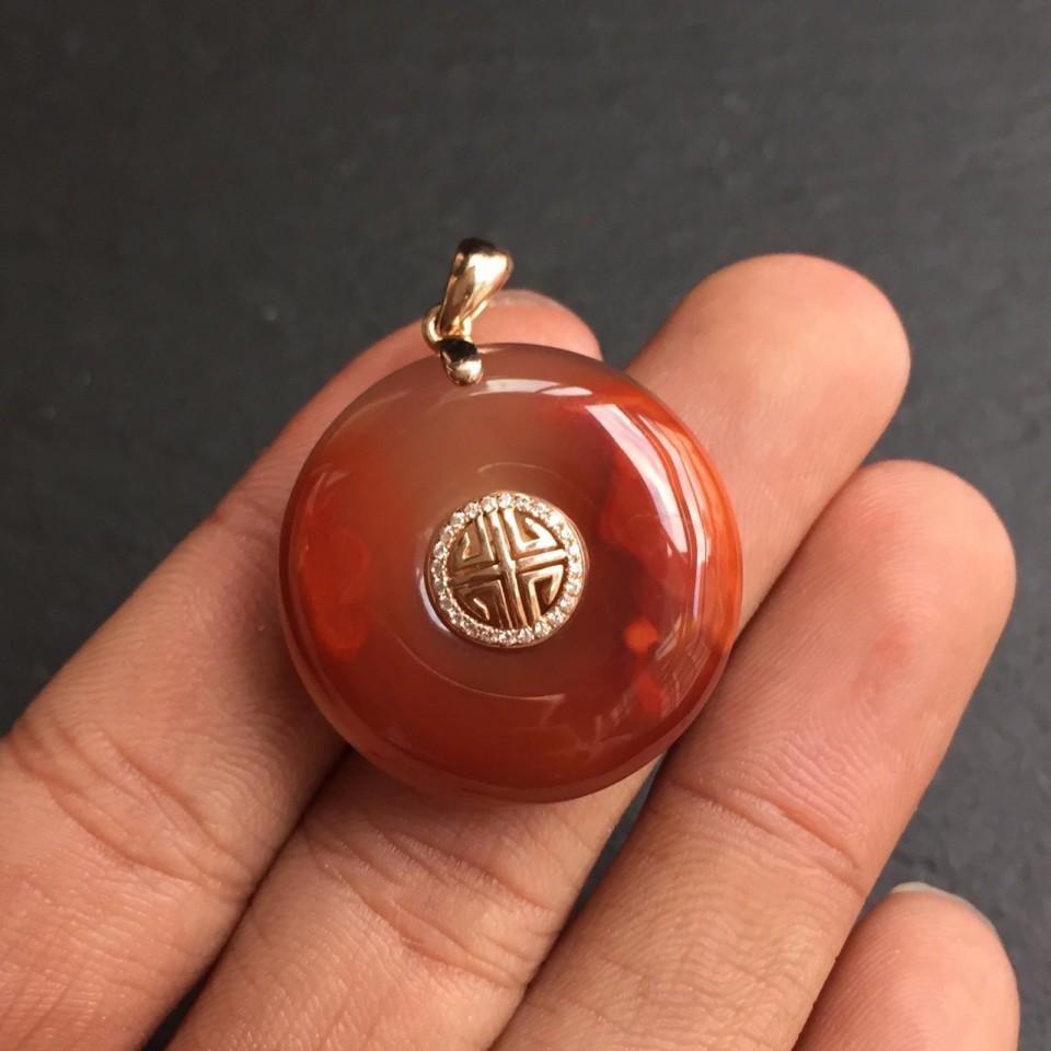 南红柿子红冻料镶18K金吉祥富贵平安扣