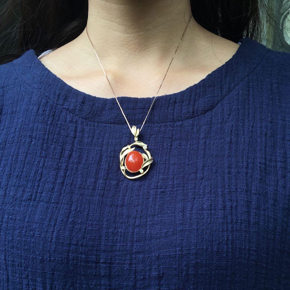 【超值推荐】宝玉石级 南红樱桃红18K黄镶钻胸坠