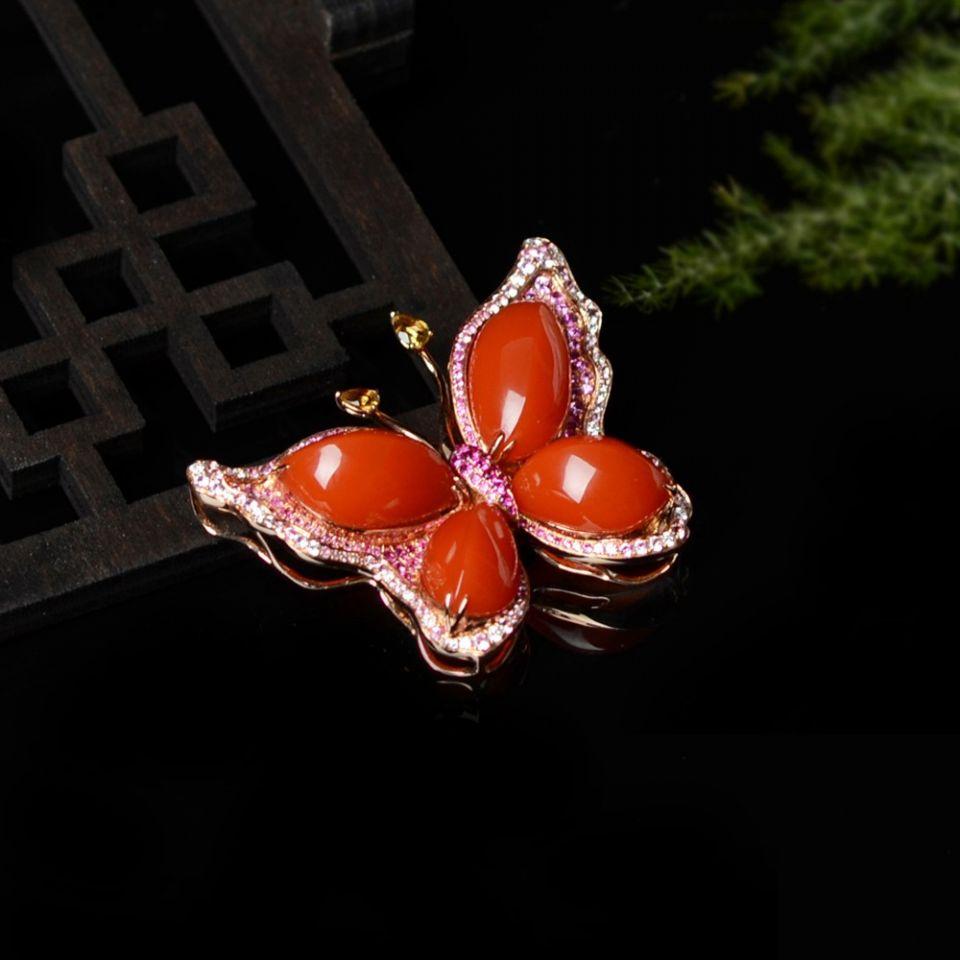 【超值推荐】宝玉石级 南红樱桃红镶18K玫瑰金蝶引福至胸针
